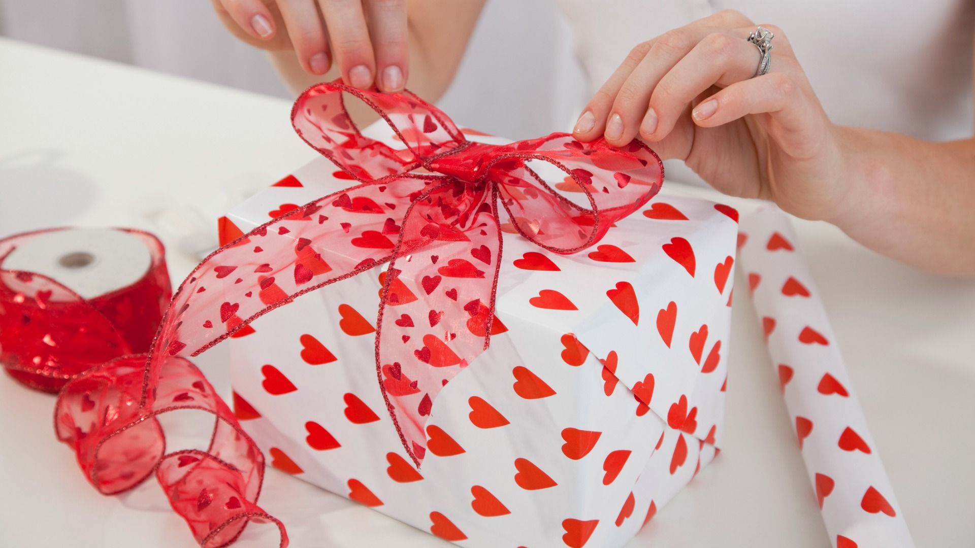 Valentine S Day Gift Ideas For The Confused Couples
